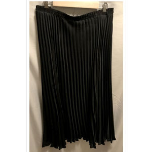 Size 26/28 Avenue Broomstick Skirt Stunning